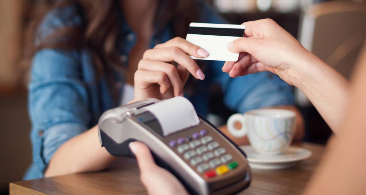 Como usar o cartão de crédito sem se endividar: dicas valiosas
