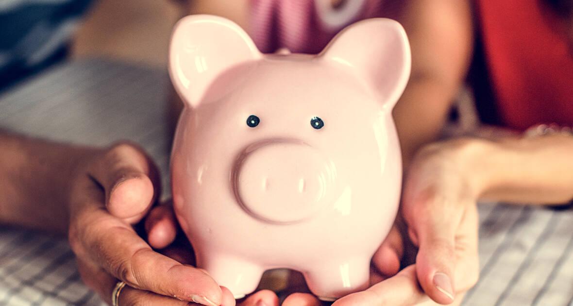 Saiba como economizar seu dinheiro, poupar e investir